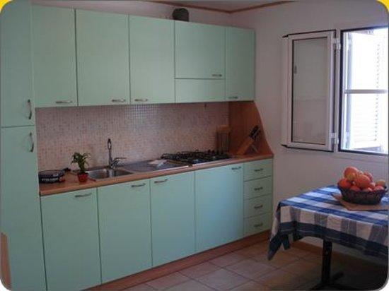 Villaggio Mondial Camping : interno bungalow