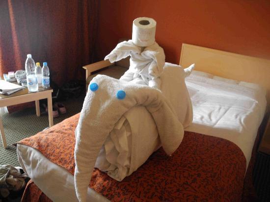 Eatabe Luxor Hotel: Room boy's elephant