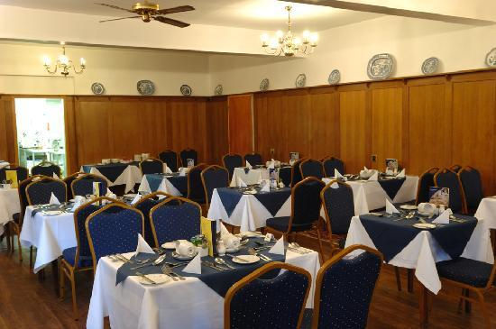 George IV Hotel: Full English breakfasts and four course meals served