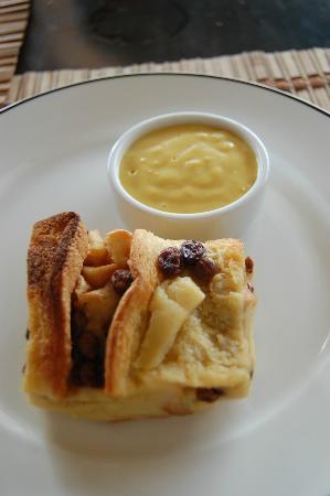 English Tea House & Restaurant, Kota Kinabalu: Bread and Butter Pudding
