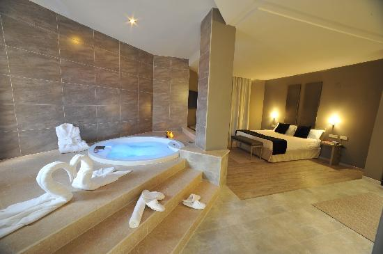 San Antonio de Benageber, Spain: Suite jacuzzi