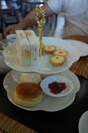 English Tea House & Restaurant, Kota Kinabalu: Scones Tea Set