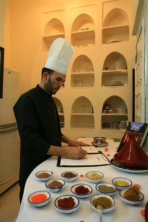 Cookery Lessons at Riad Kaiss: Learning about spices