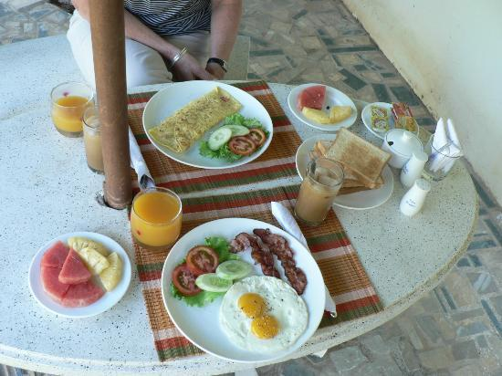 Ever Green Guesthouse: Breakfast