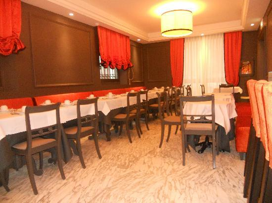 Rapallo Hotel: breakfast room