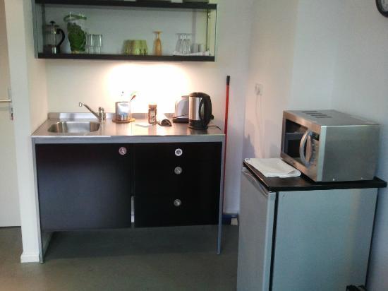 Ima Loft Apartment: Küchenzeile