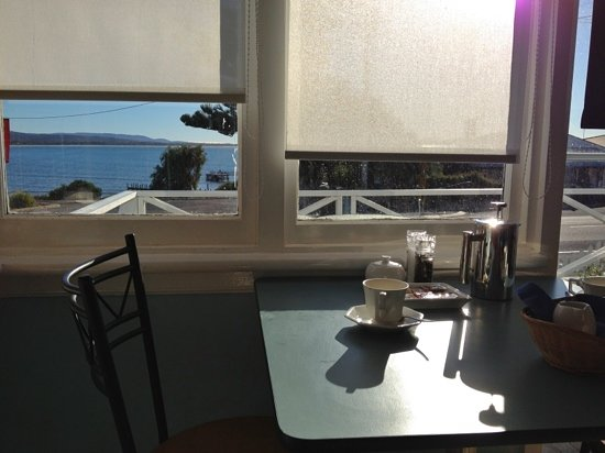 Freycinet Waters: breakfast room