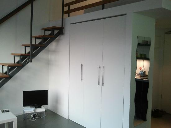 Ima Loft Apartment: Treppenaufgang zur Schlafebene
