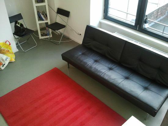 Ima Loft Apartment: Wohnzimmer