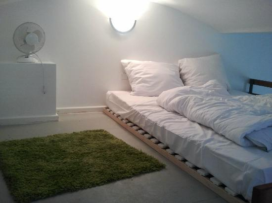 Ima Loft Apartment: Schlafebene - lichte Höhe ca. 1.20m