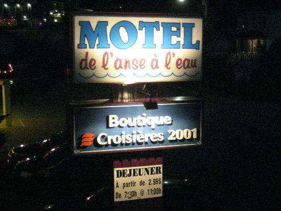 Motel de L'Anse a L'Eau: Blick vom Balkon bei Nacht