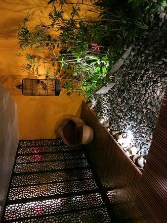 Mulan Motel Taipei: Giardino esterno