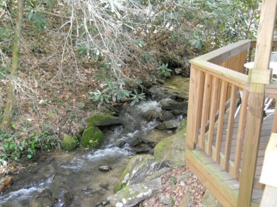 Timberwolf Creek Bed & Breakfast: View of stream from deck