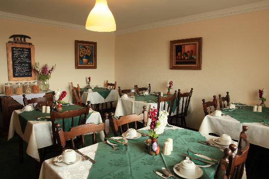 Milestone House: Seomra Bia (Dining Room)