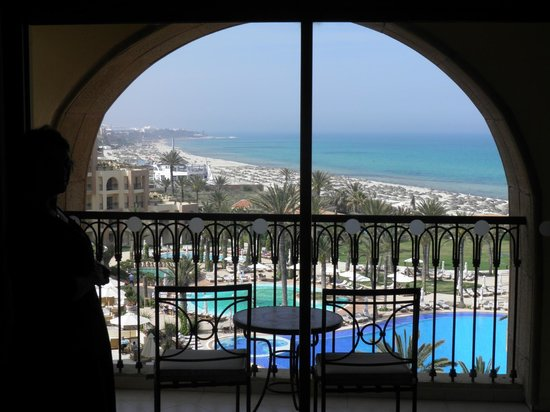 Moevenpick Resort & Marine Spa Sousse: View onto room balcony.