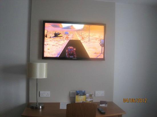 Premier Inn Southend Airport Hotel: Great TV