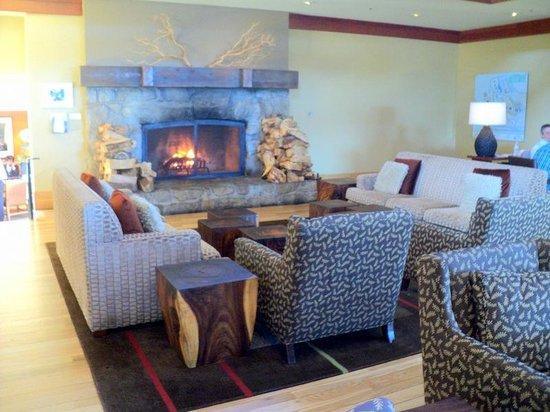 Hyatt Carmel Highlands: Hotel lobby