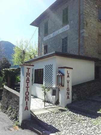 Porlezza, Włochy: Entrata esterno
