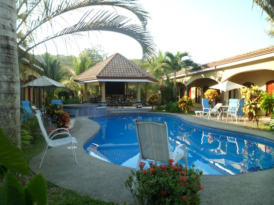 Las Brisas Resort and Villas: easy living