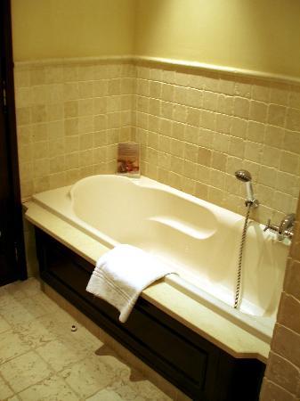 Hotel Juana : Bathroom 406
