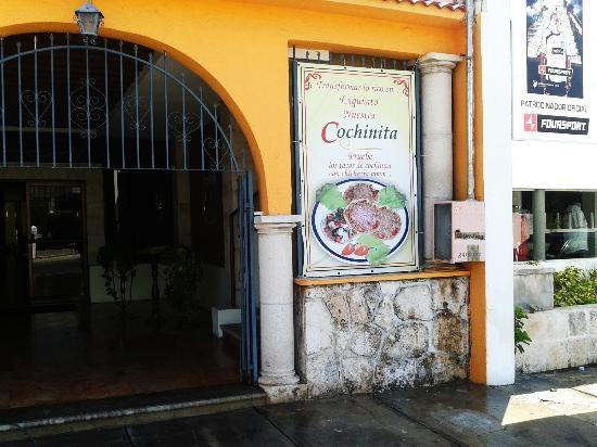 El Guacamayo: Entrada