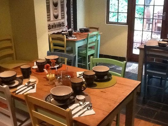 The AardVark Guesthouse and Backpackers: Continental breakfast!