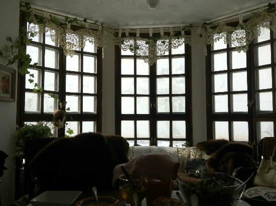 The Country Hotel: Dining room