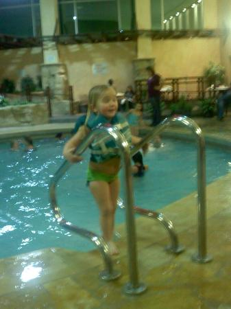 Mystic Lake Casino Hotel: Learned to swim at Mystic!