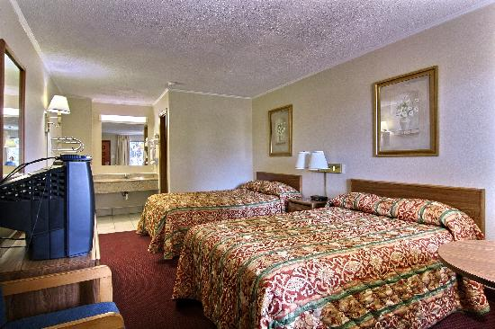 Econo Lodge: DOUBLE ROOM