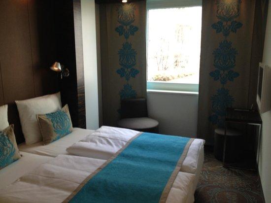 Motel One Berlin-Tiergarten: Z35 Double Bed