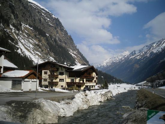 Hotels In St Leonhard Im Pitztal
