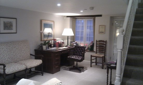 School Cottages Bed & Breakfast: Guest lounge