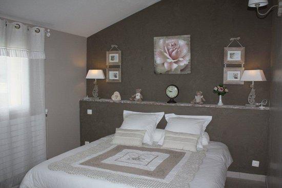 Entraigues-sur-la-Sorgue, Francja: Chambre Capucine - 3 personnes