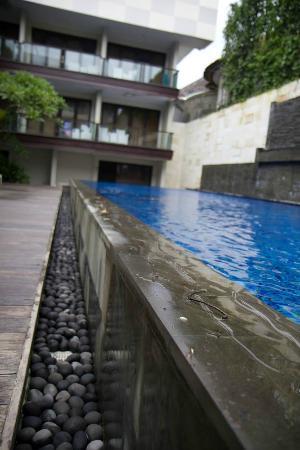 Dekuta Hotel: Pool