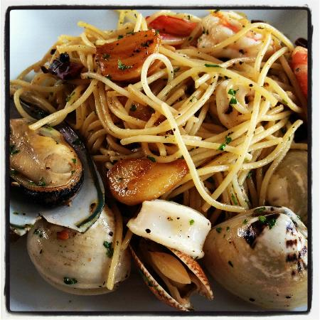 Zensala Riverpark Resort: Spicy Seafood Spaghetti