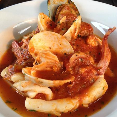 Zensala Riverpark Resort: Seafood Tomato Soup
