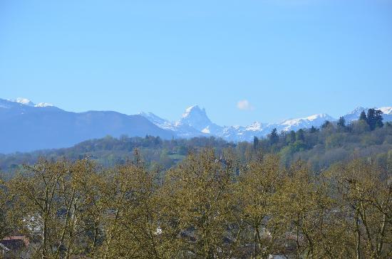 Boulevard des Pyrénées : Impresionante vista de los Pirineos