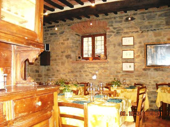 La Bottega Dell'Oste: lovely Tuscan restaurant, empty but for us!