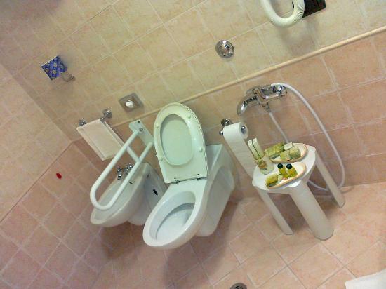 Faro Rosso: bagno x disabili