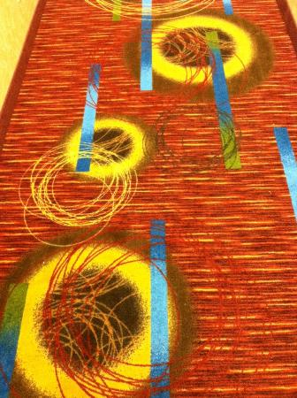 Toledo Hotel and Conference Center: Psychadelic hairy sphincter hallway carpet