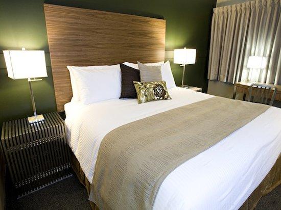 Heritage Inn: Premier King Guest Room