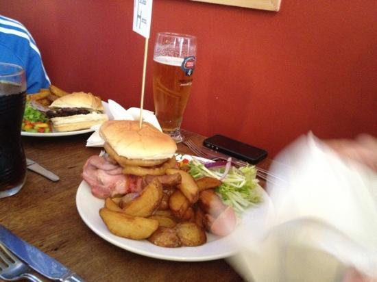 The Hatless Heron: The Beasty Burger