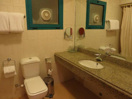 Creative Green Hotel: Bathroom in Room 804