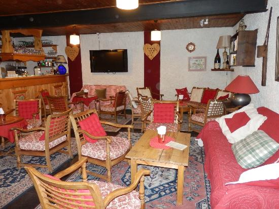 Le Christiania Hotel Restaurant : le bar et une partie du salon