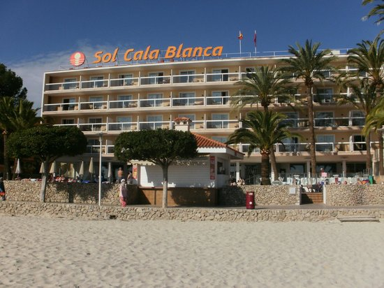 Sol Beach House Mallorca: Hotel from the beach