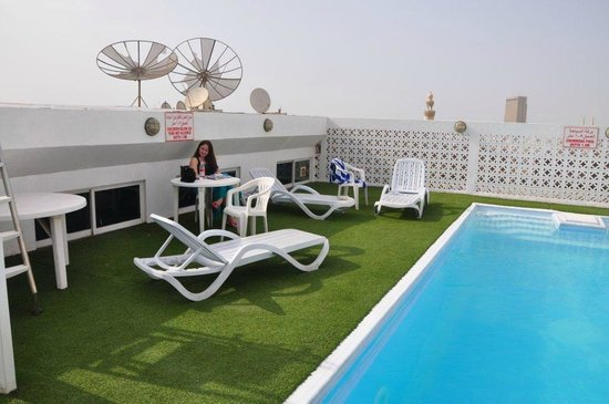 Landmark Hotel Baniyas: Pool at the roof