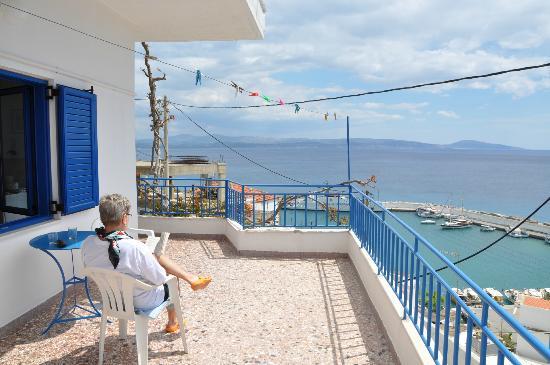 Hotel Hariklia: Utsikt från en av terrasserna