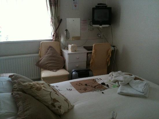 The Glenbourne: MY HOMELY ROOM