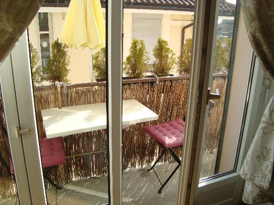BnbLausanne.ch: terrace