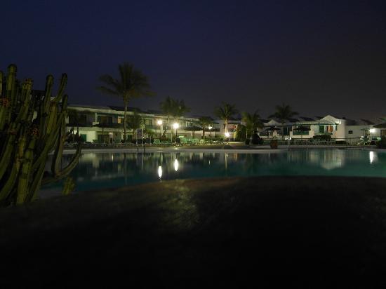 Costa Sal Villas and Suites: zona hotel vicino alla piscina grande